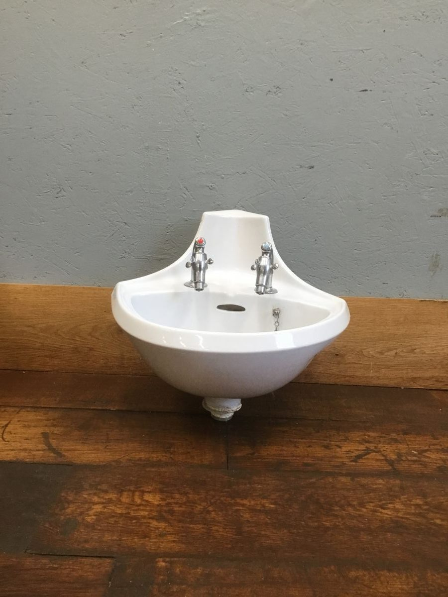 Royal Venton Corner Sink & Supa Taps