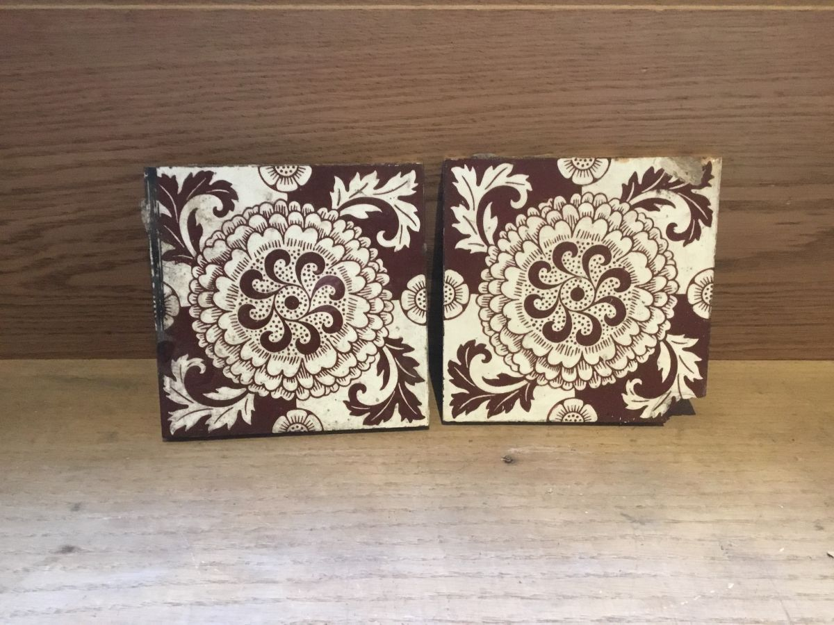 Brown & White Swirl Detail Tiles