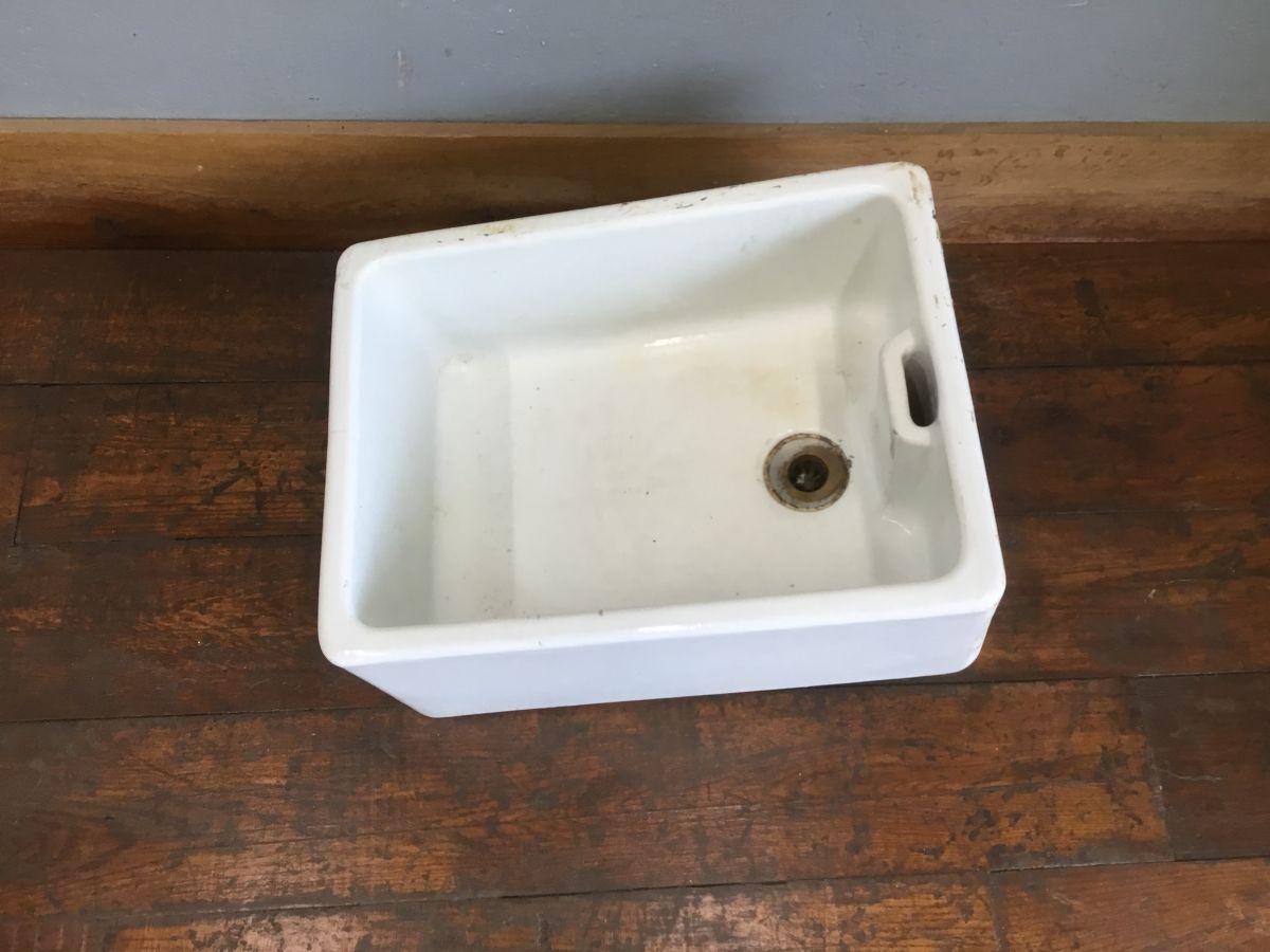 Royal Doulton of London Butler Sink