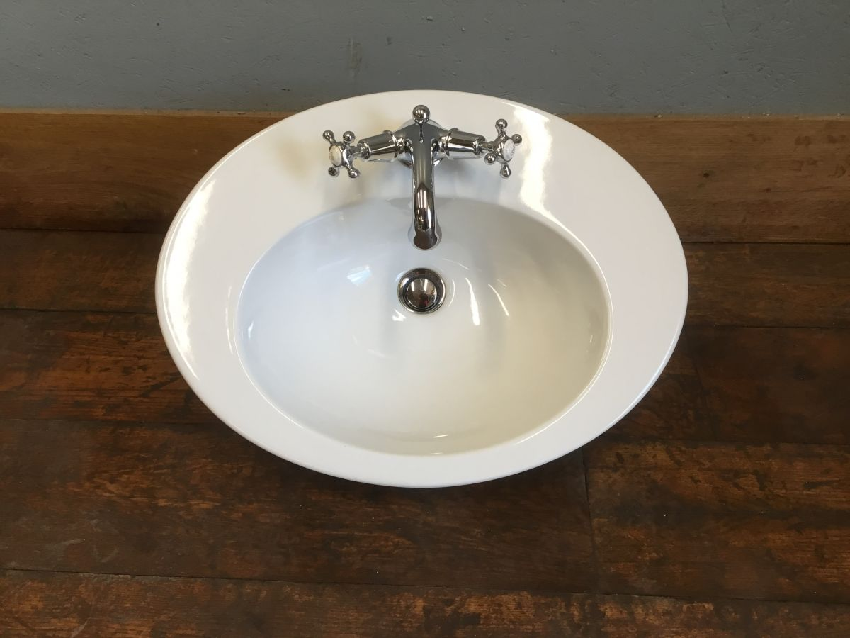 Oval Basin With Lefroy Brooks Mixer Tap