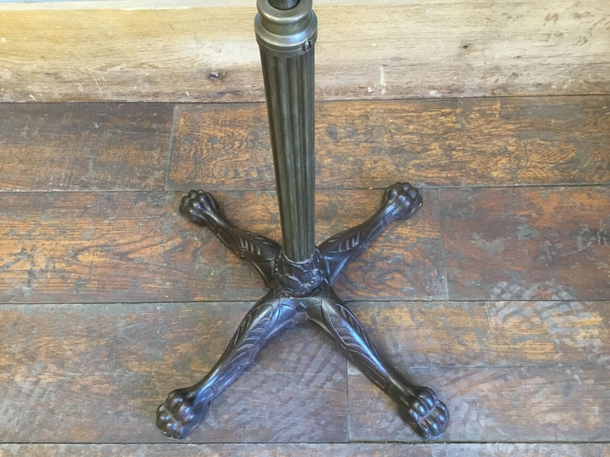 Cast Iron Solid Stand