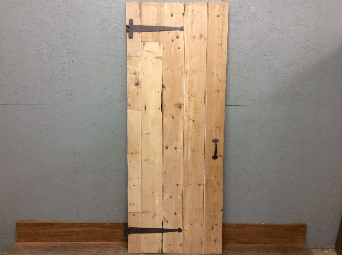 Light Pine Ledge & Brace Door