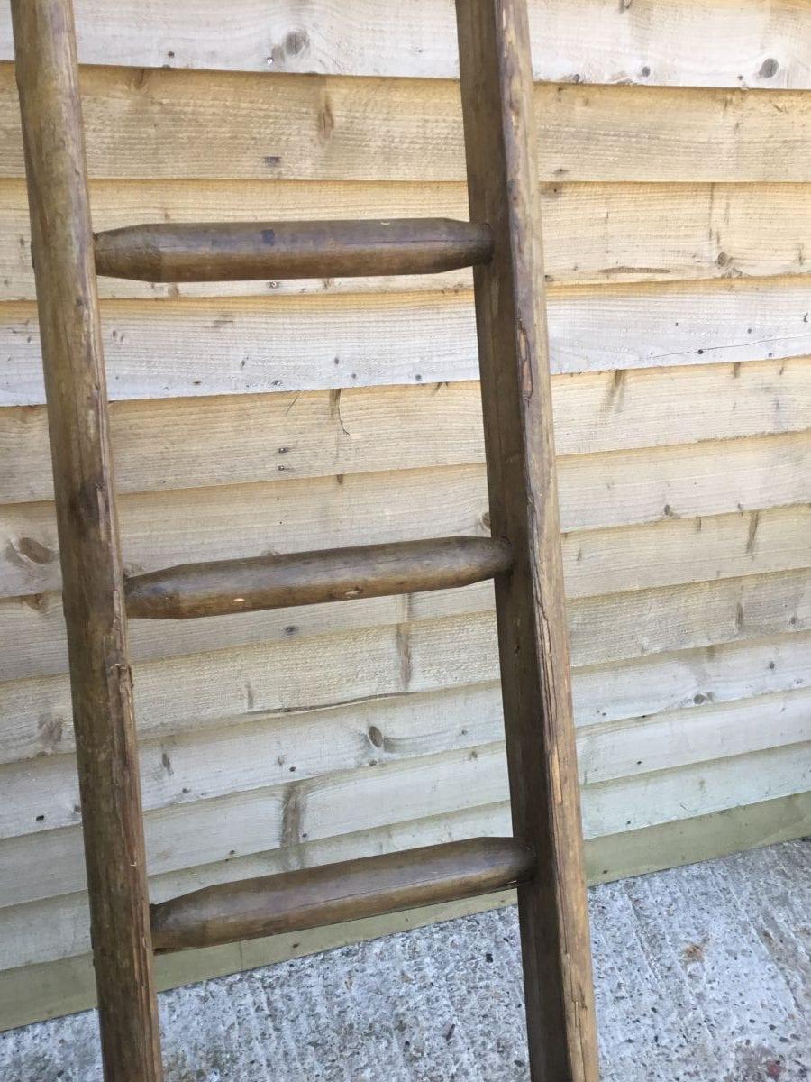 Large Round Ladder