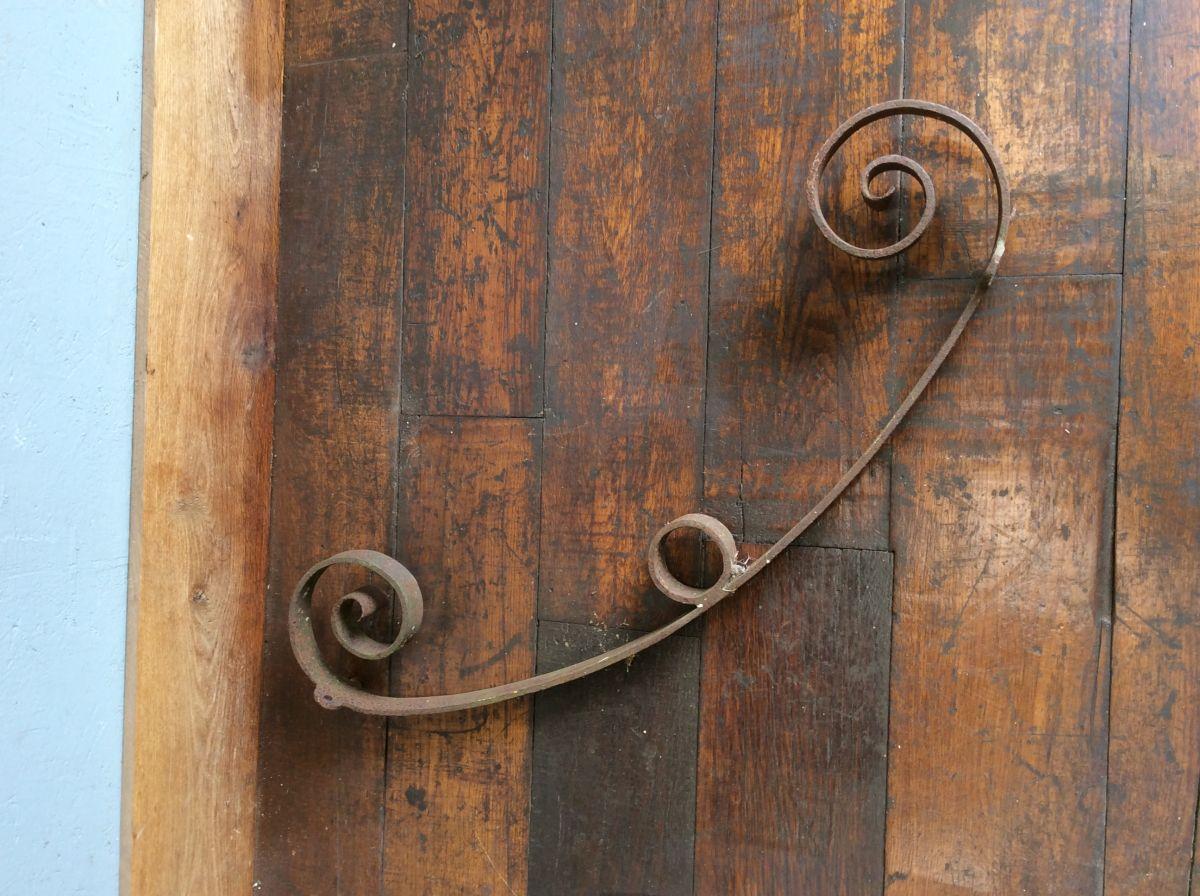 Wrought Iron Scroll Detail Bracket