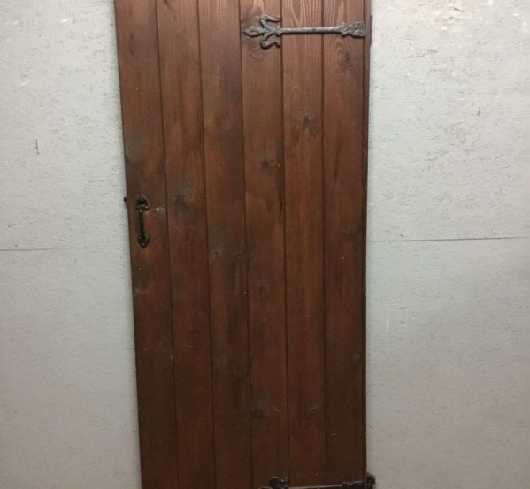 Pine Varnish Brown Ledge & Brace Door
