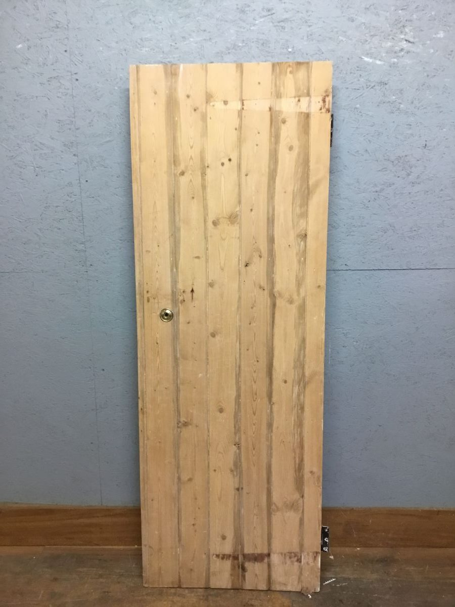 Pine Stripped Ledge & Brace door