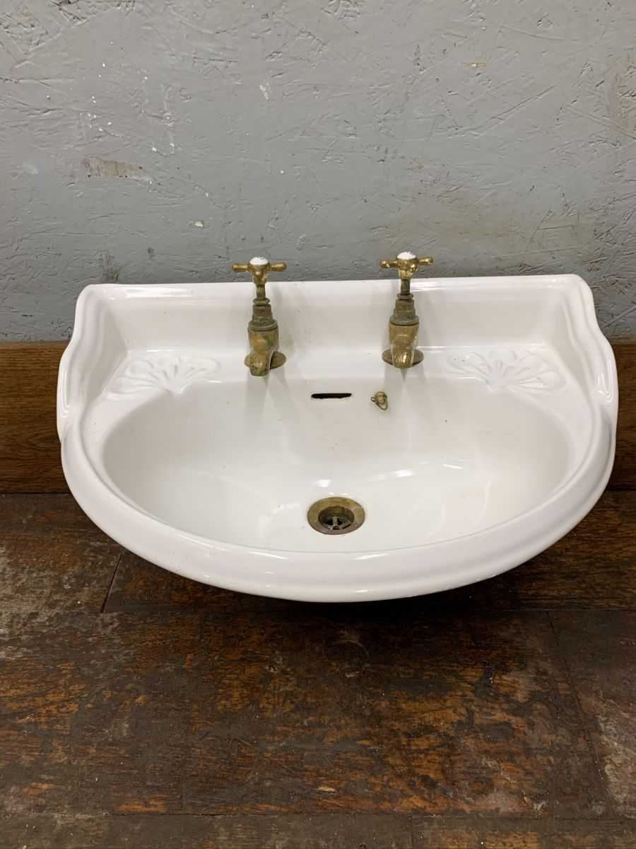 Reclaimed Hand Basin With Taps