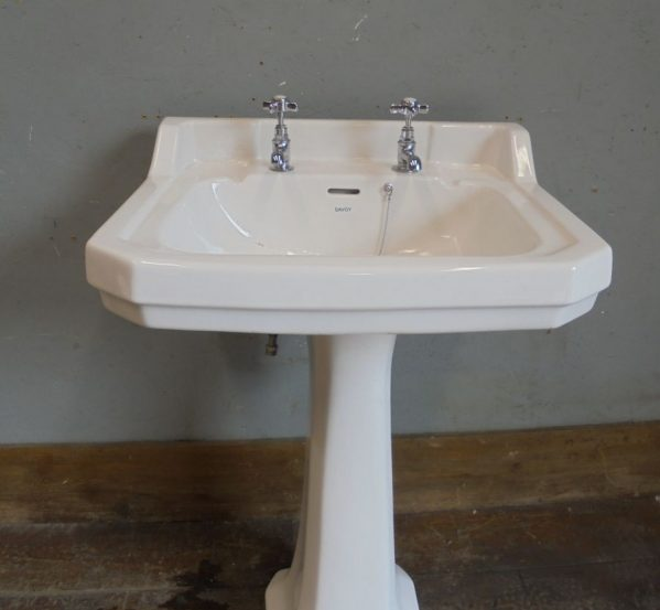 large Savoy sink