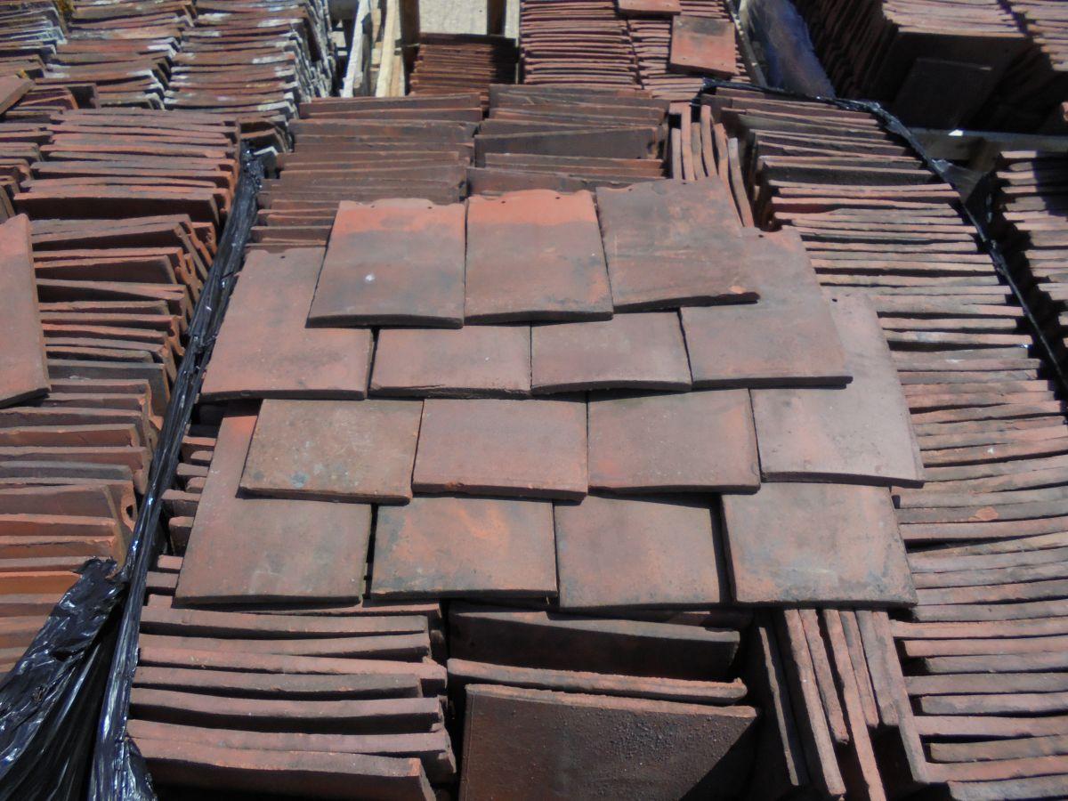 Clay nib tile