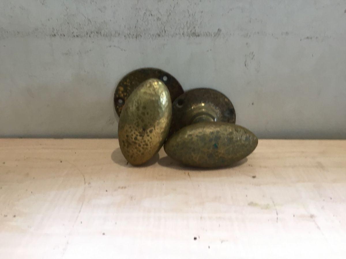 Oval Mottled Door Knobs