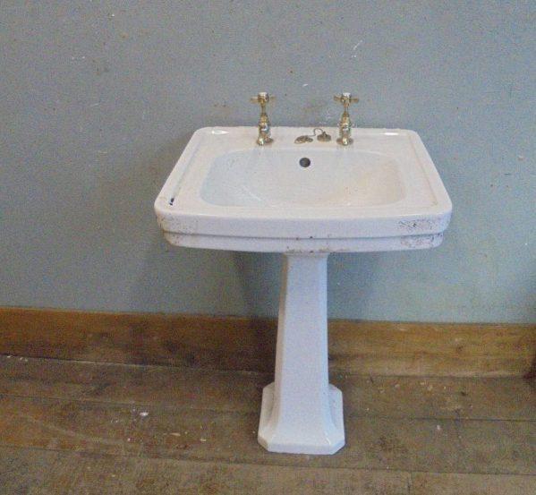 Valadares Sink & Pedestal