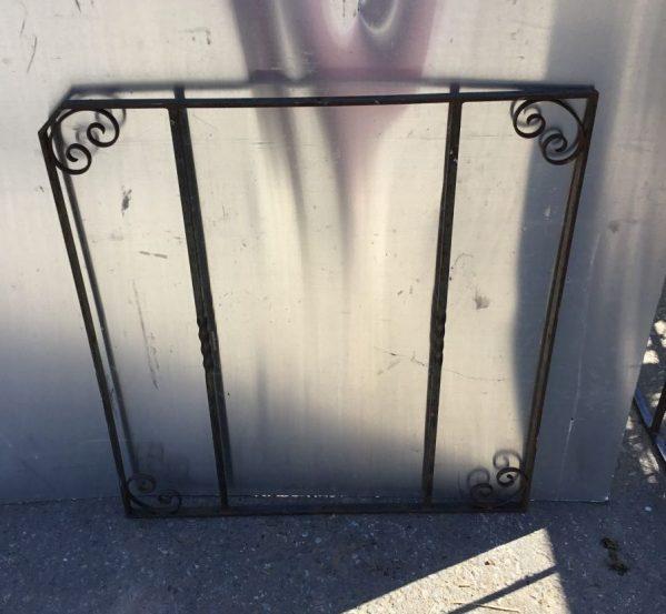 Cut corner Ornate Gate