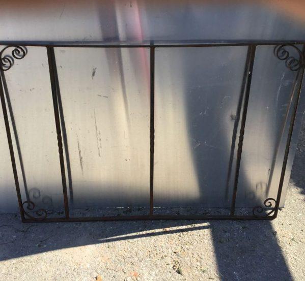 Turned Bar Metal Gate