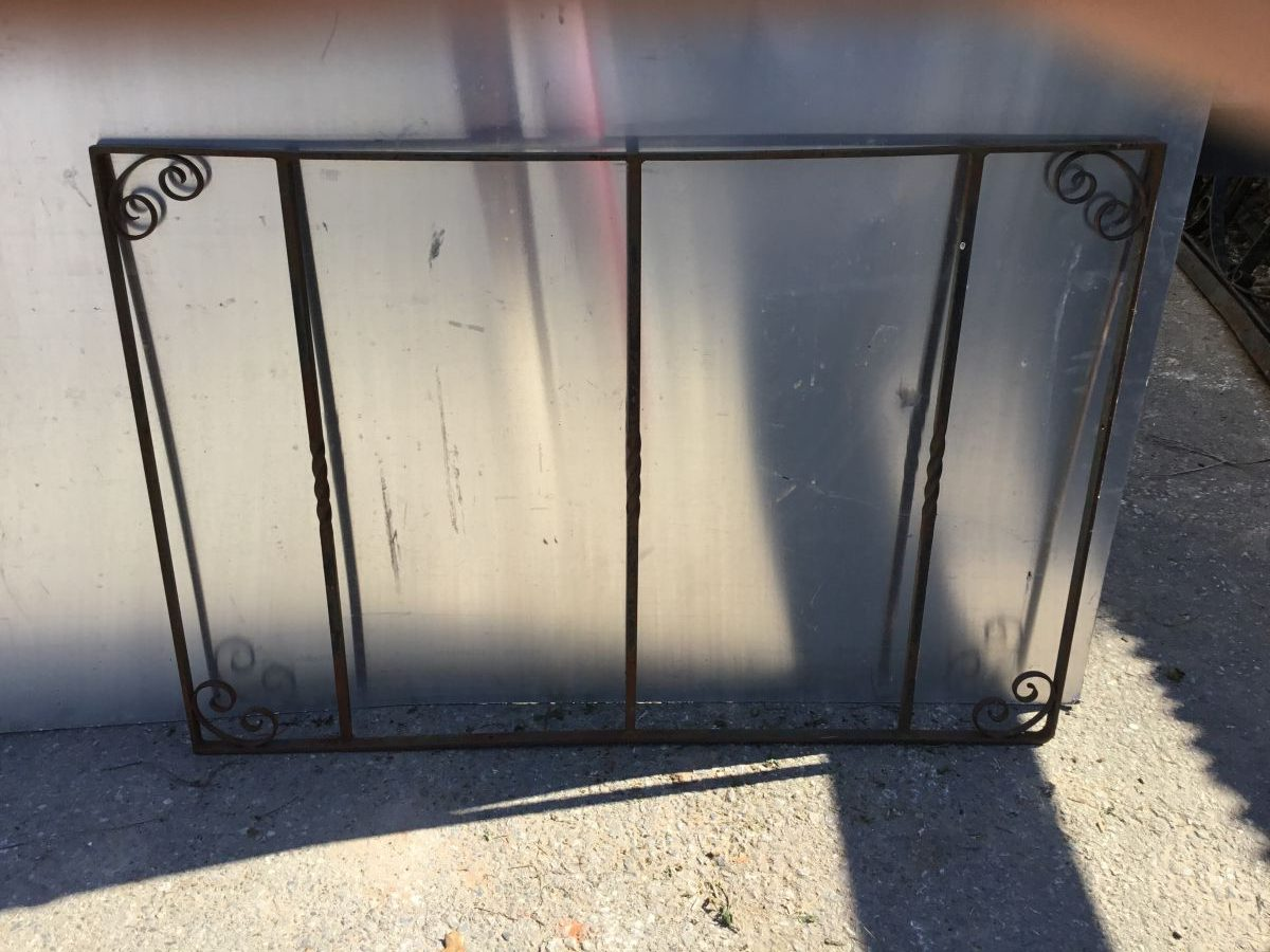 Turned Bar Metal Gate
