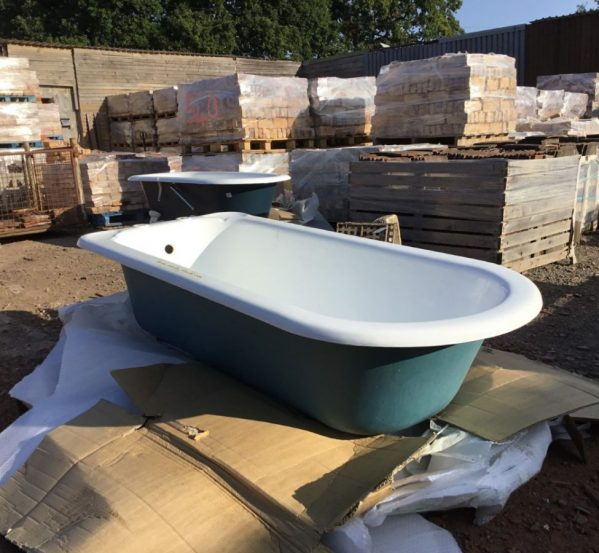 Large Singled Ended Bath