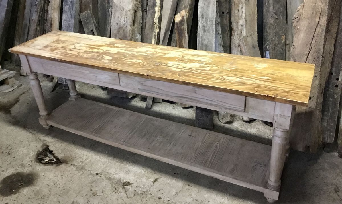 2 Ton Pine Sideboard table