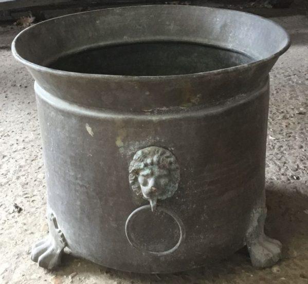 Lion Umbrella Pot