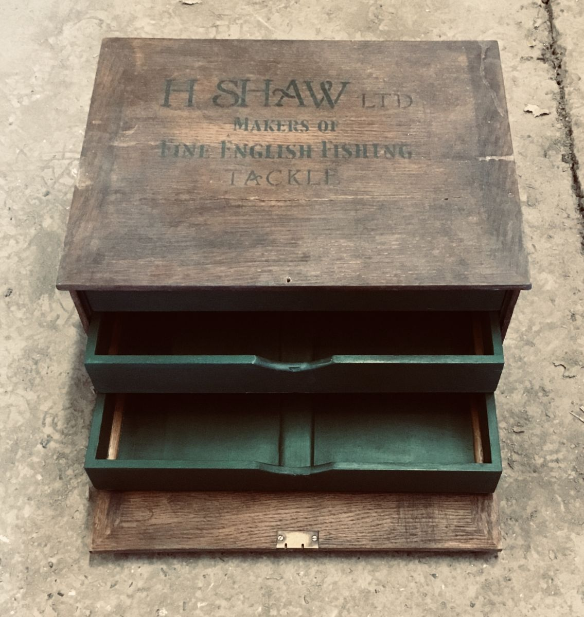 Box with compartments