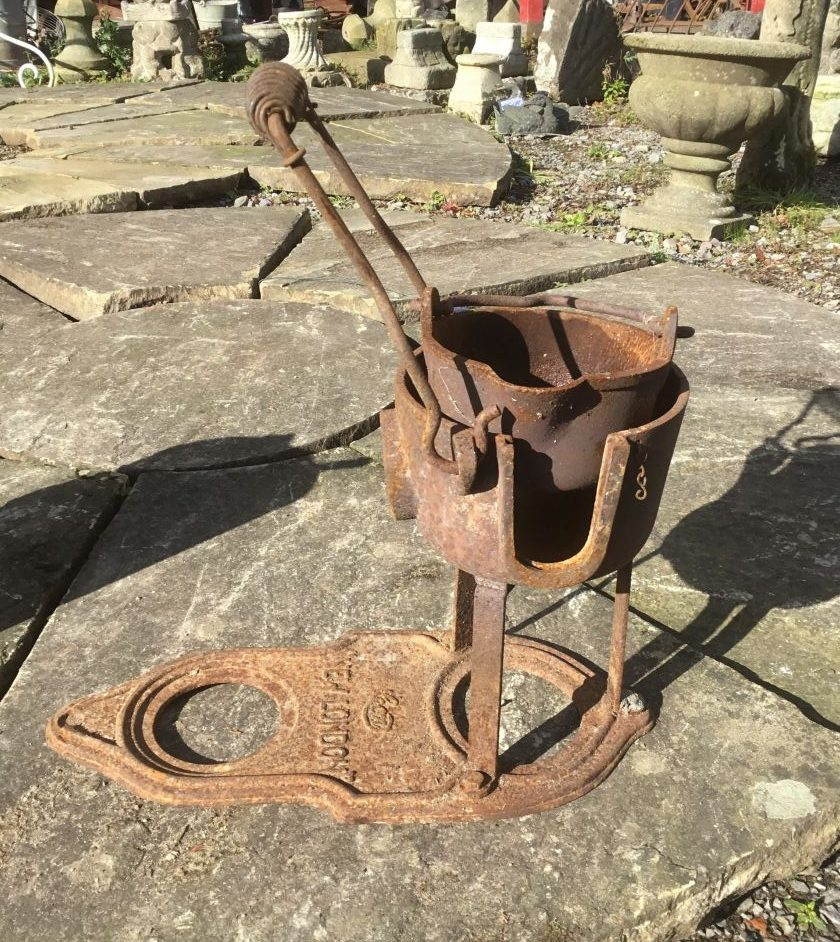 Traditional Melting Metal Pot with Stand