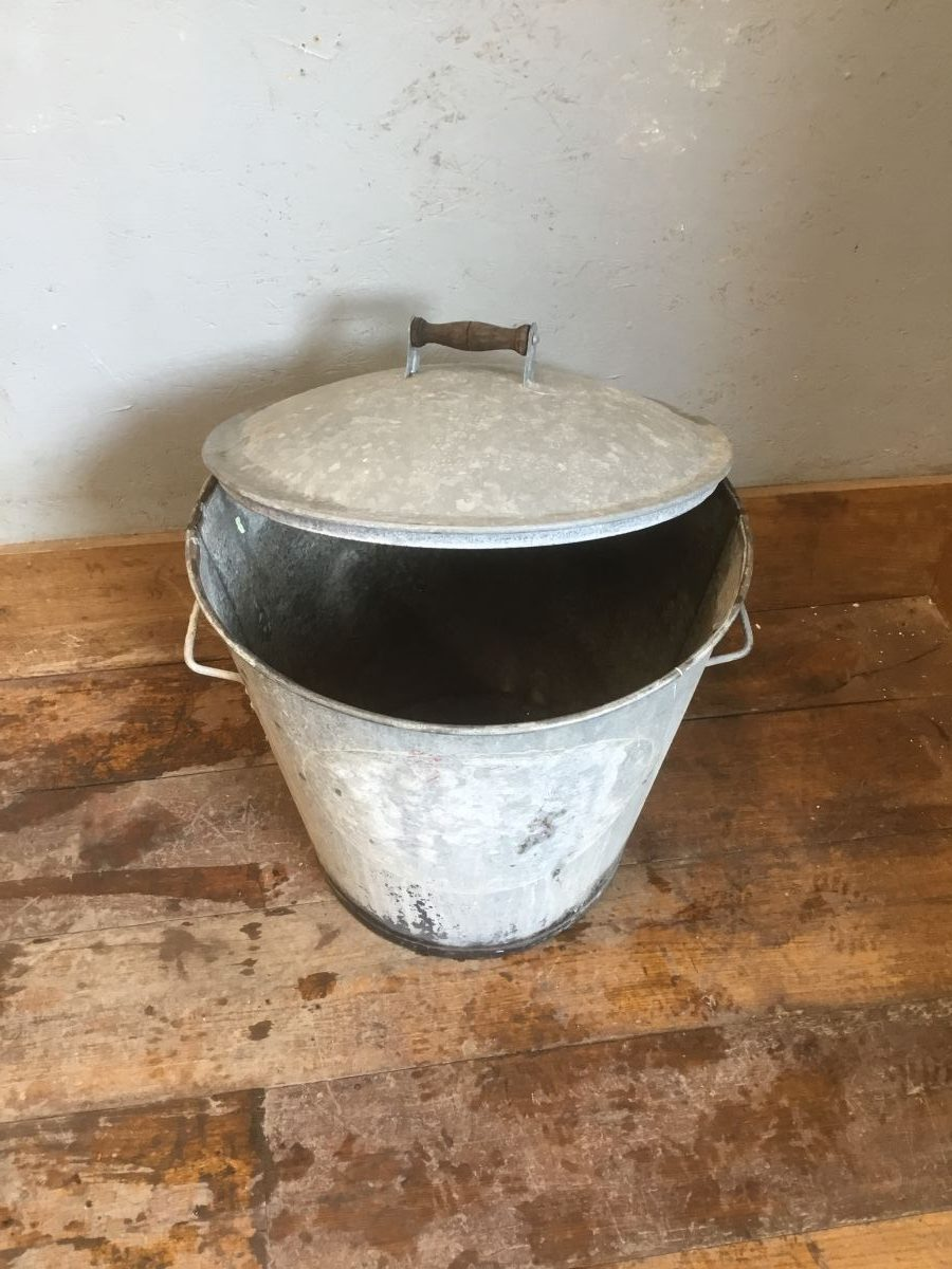 Metal Ash Bin