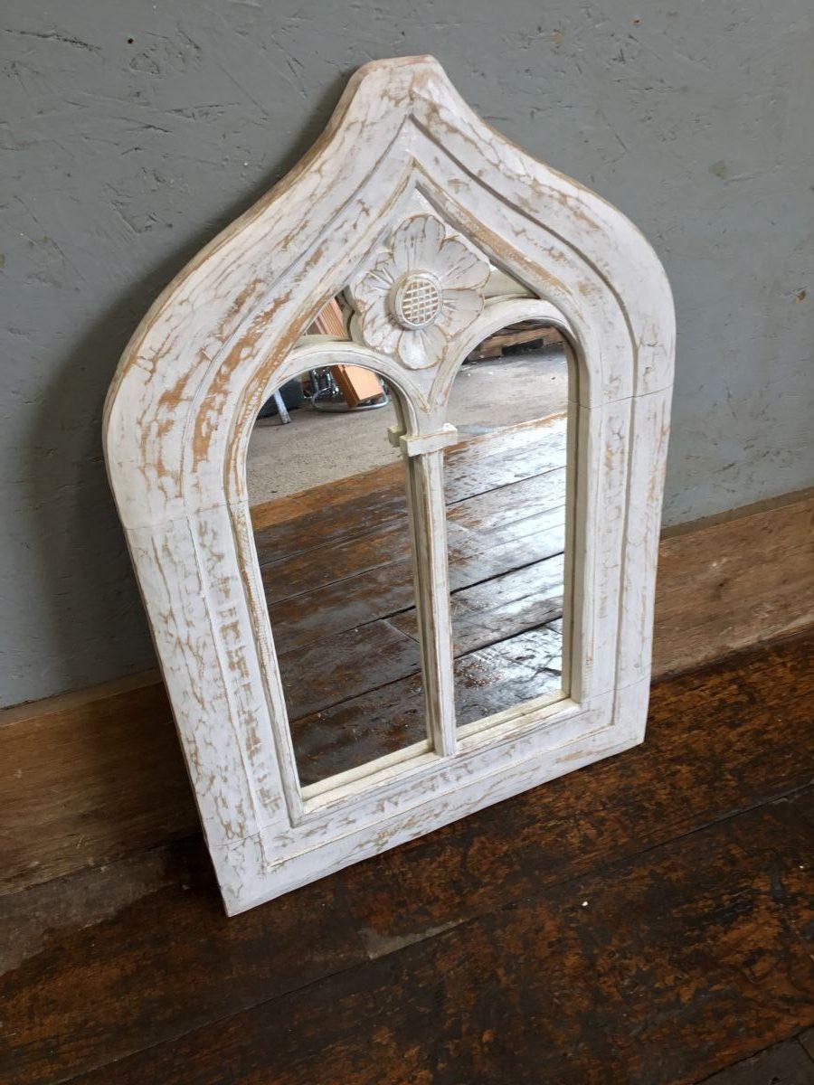 Pretty Decorative Mirror