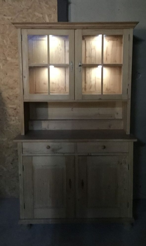 Pine Cabinet With Display Shelves