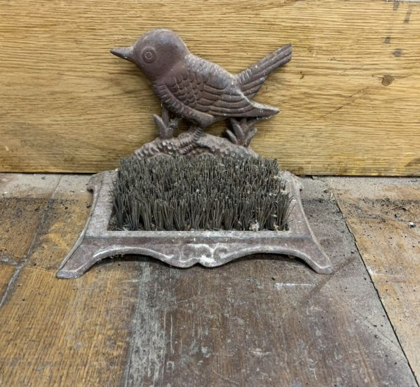 Swallow Boot Brush Mount