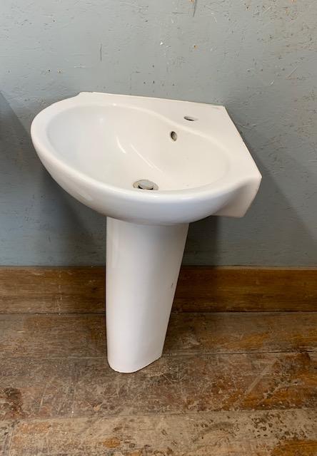 Corner Ceramic Basin