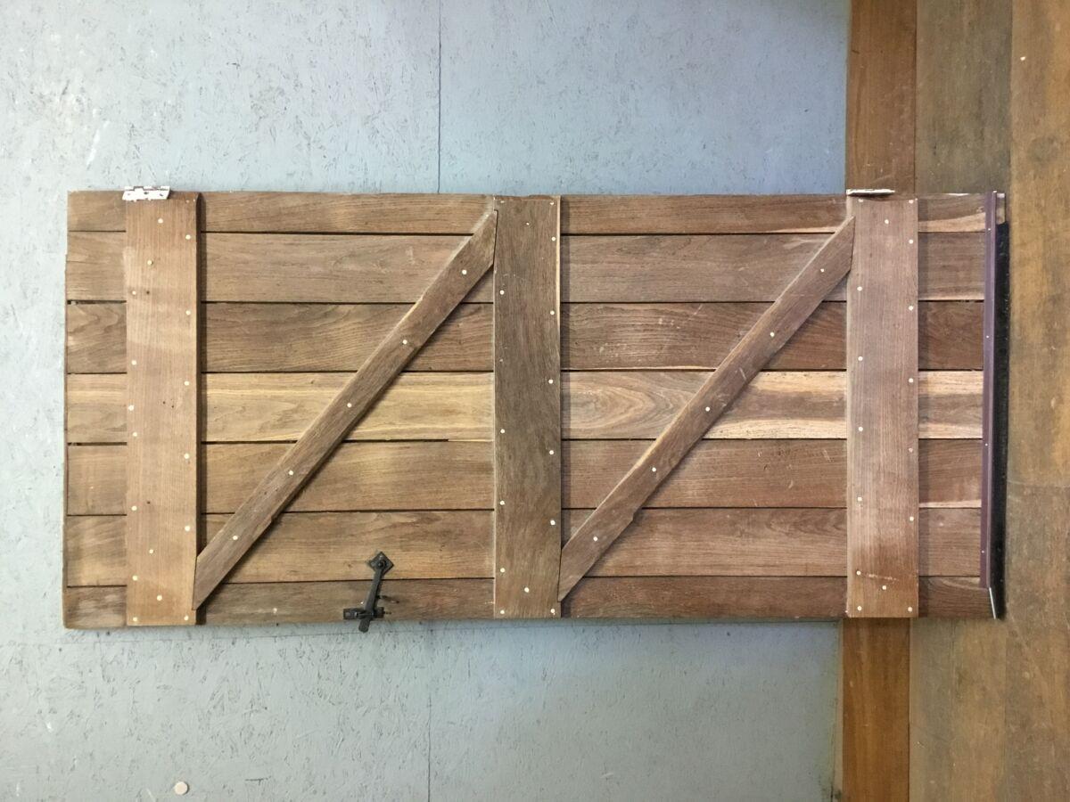 Large Oak Ledge + Brace