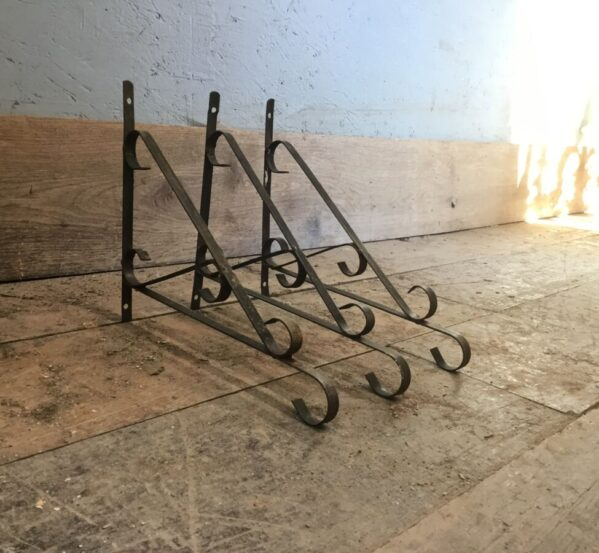 2 Metal Shelf Brackets