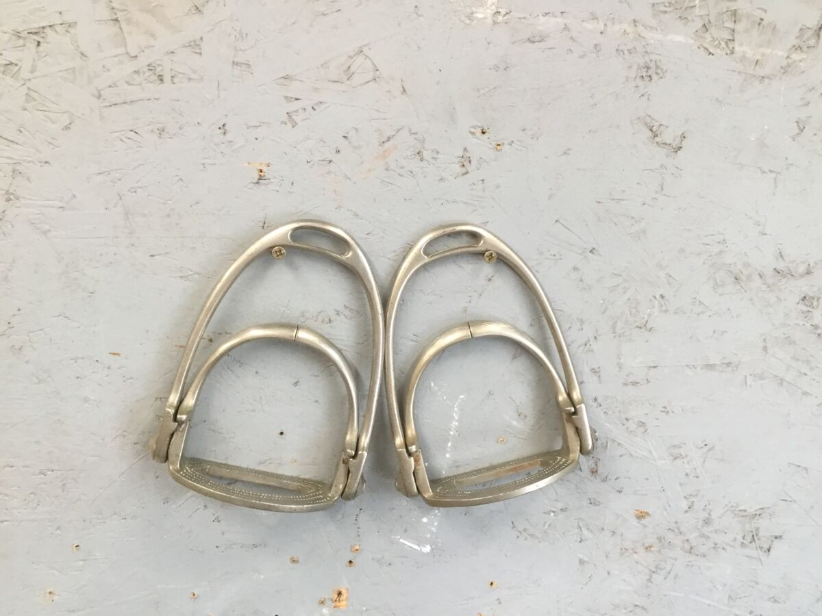 Metal Stirrups