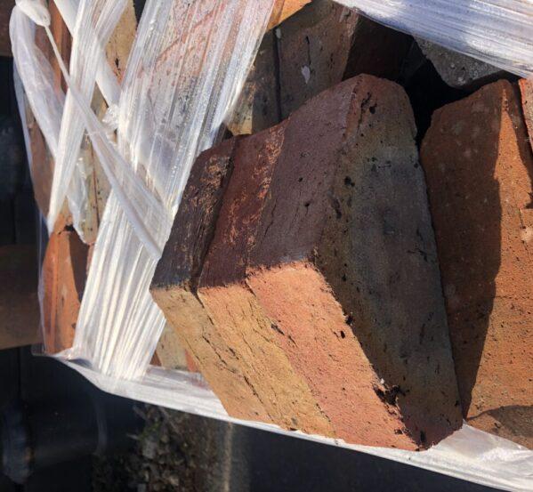 Reclaimed Triangular Coping Brick